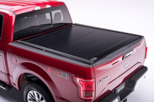 Bed Covers - Retrax Manual Bed Covers - Retrax - RETRAX ONE   2017+ F-250/F350  Short Bed   With Stake Pocket (10386)