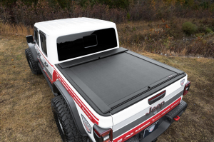 Bed Covers - Roll-N-Lock Manual Bed Covers - Roll-N-Lock - Roll-N-Lock  Bed Cover  2020+  Gladiator  5' Bed  w/Trail Rail Sysytem  (LG495M)